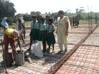 Children_at_Building_site_002